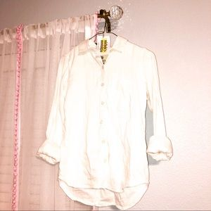 BUTTON DOWN WHITE COLLARED BLOUSE WITH ONE POCKET